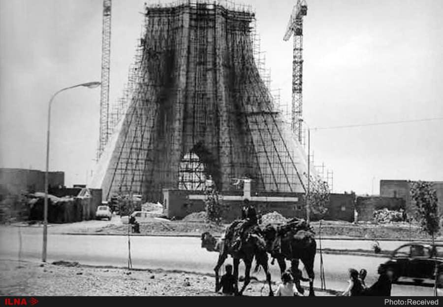 برج آزادی مادر انقلاب ایران است